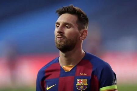 Former Barcelona star Yaya Toure issues Premier League warning to Lionel Messi
