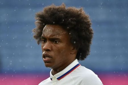 BREAKING NEWS: Willian completes Arsenal move on three year deal