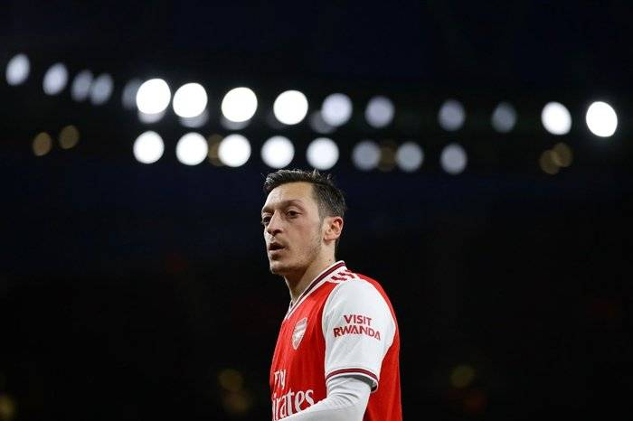 Mesut Özil has agreed with Arsenal to end his contract with immediate effect 1
